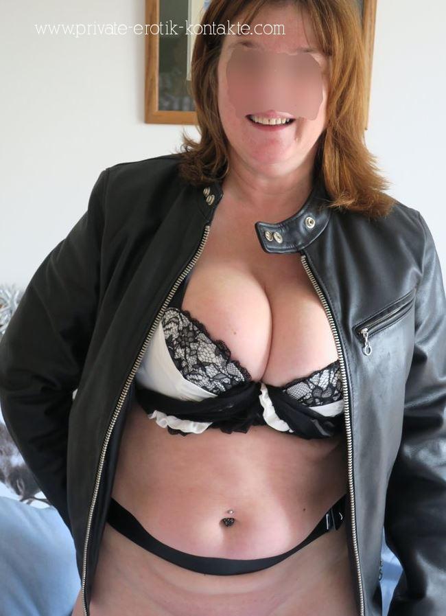 Geile Oma in Kiel sucht Sextreffen